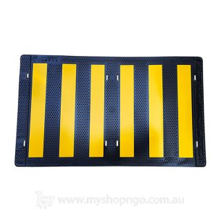 Pole Marker Black Yellow 500x300mm